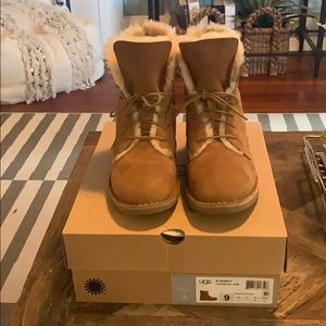 UGG Quincy Chestnut Size 9